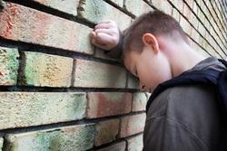 В помощь замещающим родителям