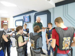 Праздник подарили детям специалисты ГБУ ЦСПСД г. Арзамаса и сотрудники Лазертаг-арена в Арзамасе Сектор-52